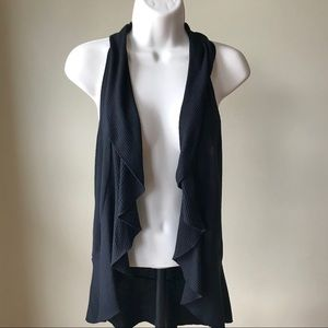 Decree Casual Ruffled Vest Size S